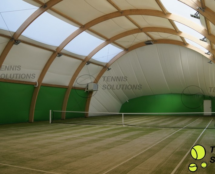 Drewniana hala tenisowa