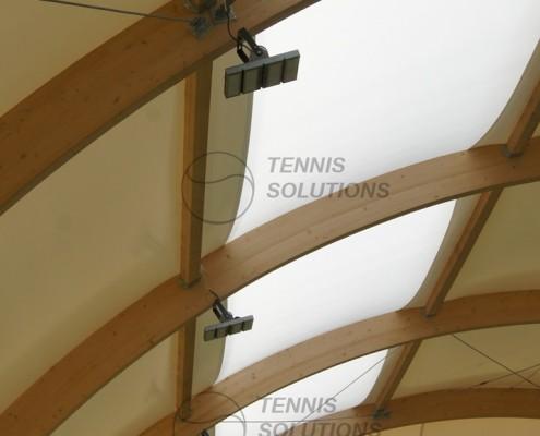 Lampy LED w hali tenisowej