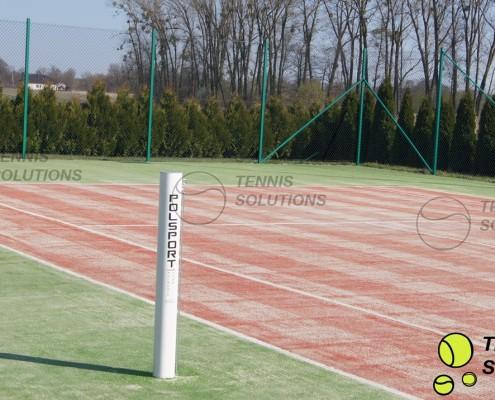 Montaż słupków tenisowych