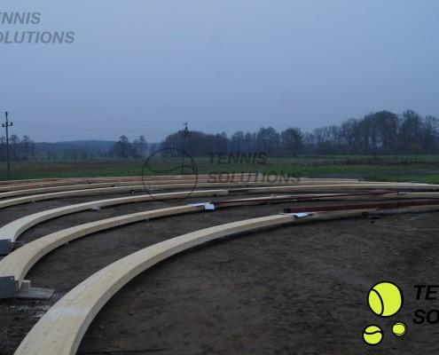Przygotowanie konstrukcji drewnianej hali tenisowej