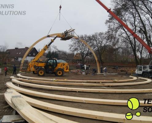 Budowa hali tenisowej z drewna klejonego
