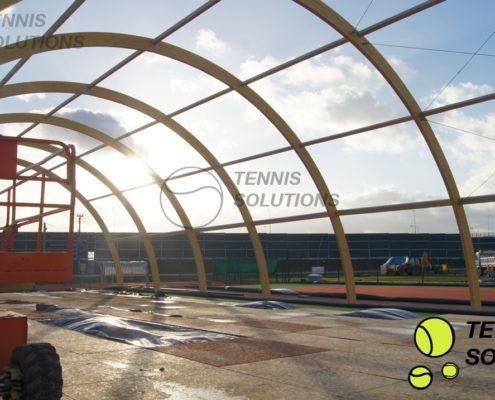 Budowa hal tenisowych z drewna klejonego